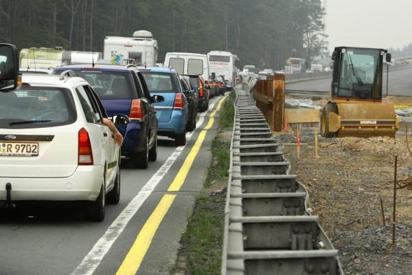 Auf Autobahnbaustellen wird gebummelt