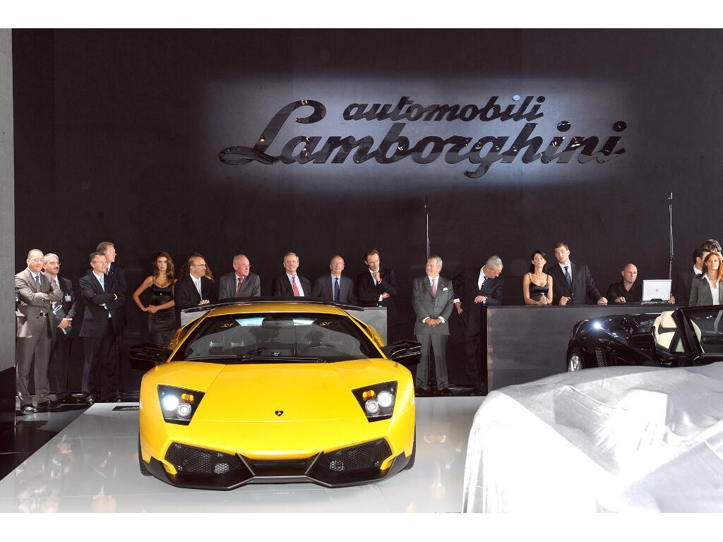 Auslieferungs-Start für Lamborghini Reventon Roadster  - Bild(12)