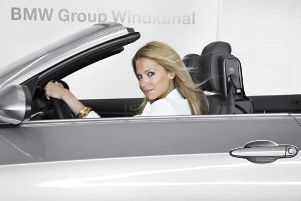 BMW 3er: Silvie van der Vaart im Windkanal.