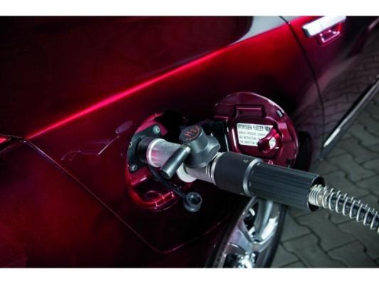 Brennstoffzellen-Autos mit Reichweite von über 1 100 Kilometern