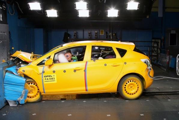 EuroNCAP: Fünf Sterne für Opels neuen Astra