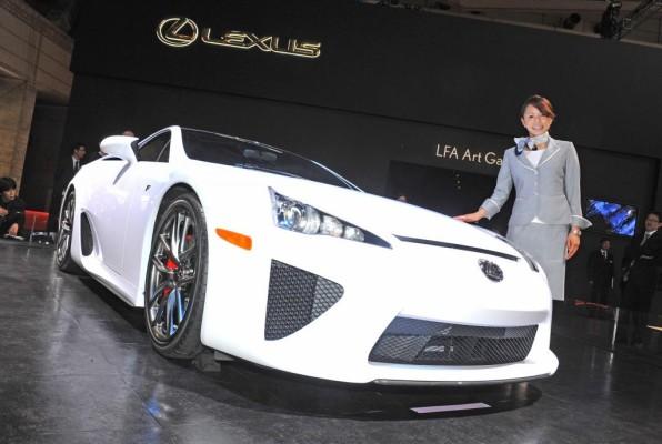 Lexus hat die zufriedensten Autofahrer in Deutschland