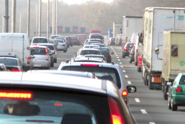 Neuer Bundesverkehrsminister will Pkw-Maut prüfen lassen