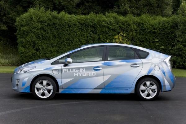 Toyota weitet Plug-in-Test auf Europas Straßen aus