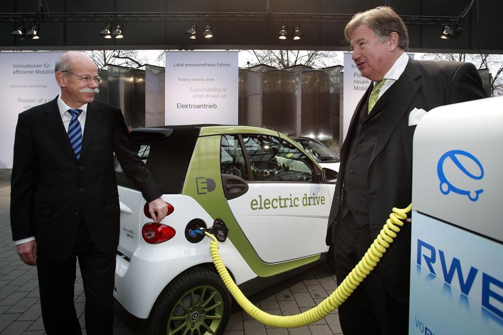 ''e-mobility Berlin'': Die ersten e-smart fahren jetzt