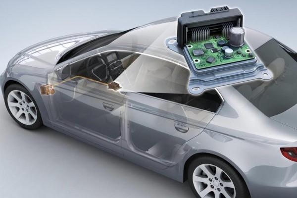 Airbag-Steuergerät mit ESP-Sensorik kombiniert