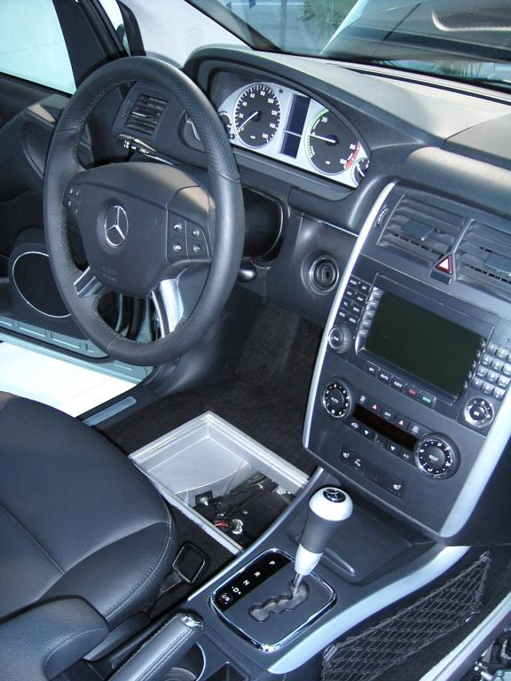 Blick ins Cockpit der neuen Brennstoffzellen-B-Klasse von Mercedes.