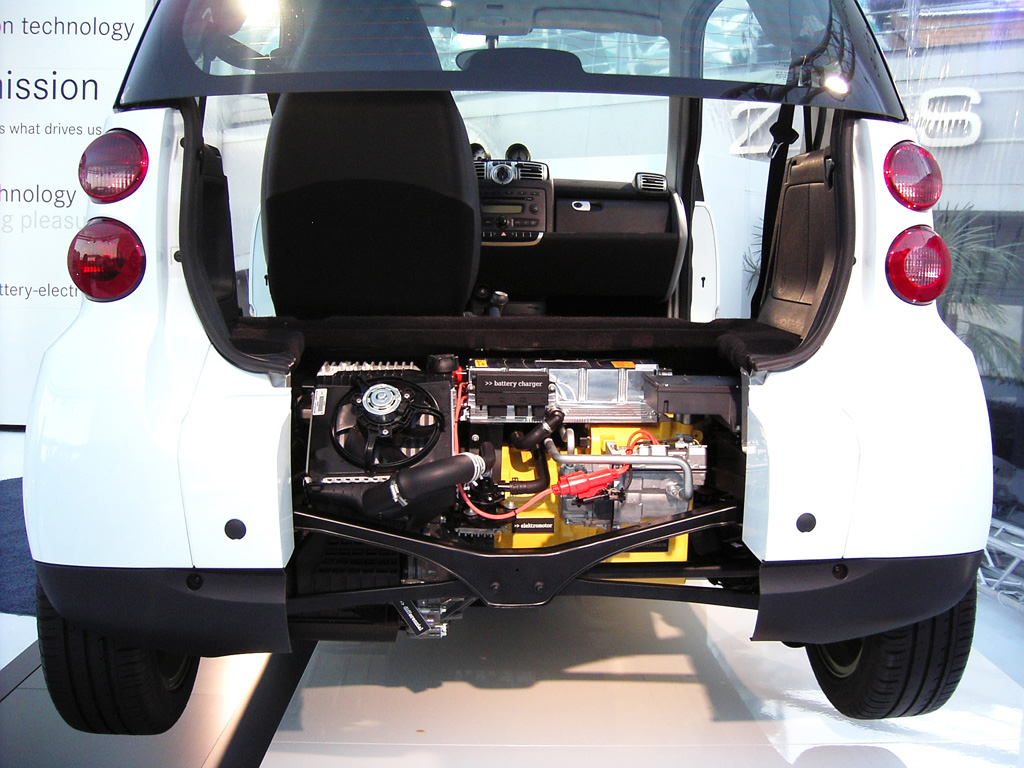 Der 30-Kilowatt-Elektromotor sitzt im Heck des Smart Electric Drive.