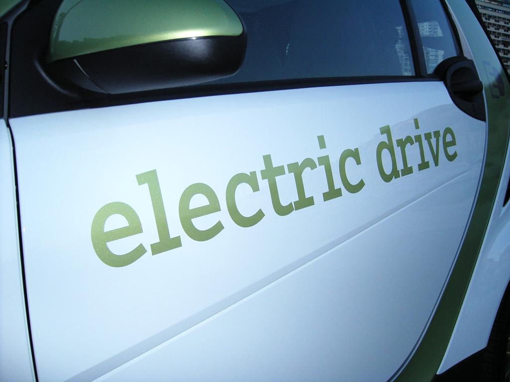 Der Smart geht mit der zweiten Elektroantriebsgeneration in Serie.