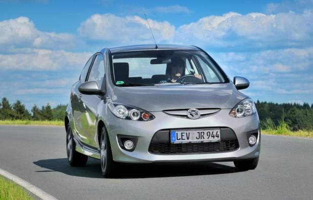 Drei Mazda 2 fahren ab März 2010 elektrisch