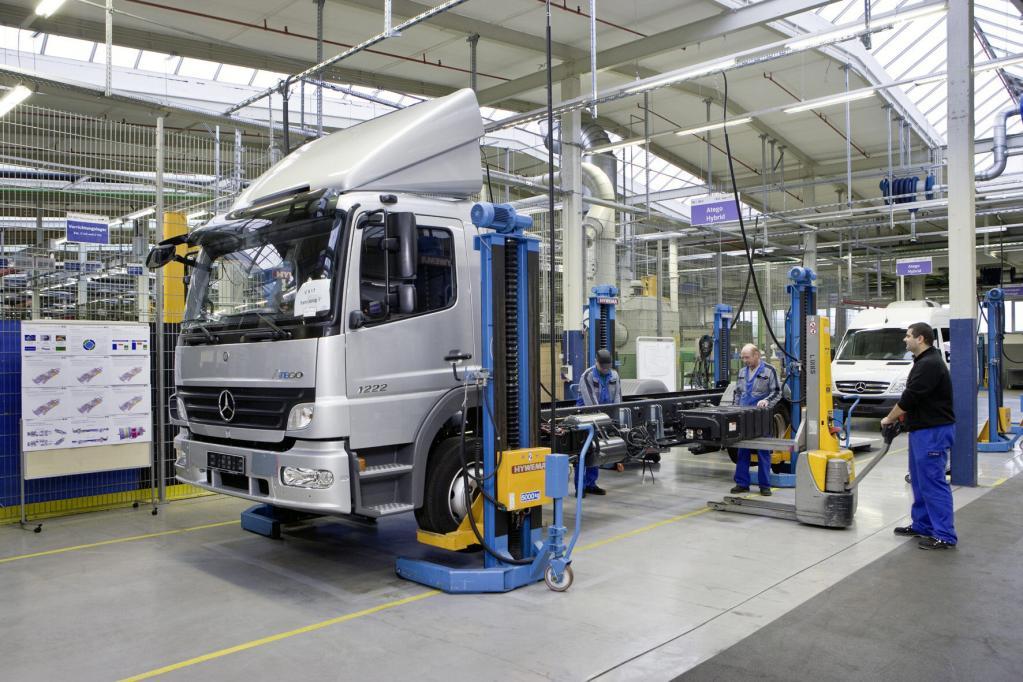 Hybrid-Lkw startet in Kunden-Testbetrieb - Bild 2
