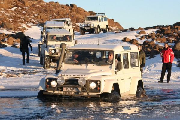 ISAK Defender: Arktische (Allrad-)Abenteuer