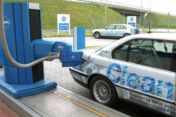 Internationale Wasserstoff- und Brennstoffzellenpartnerschaft befristet unter deutscher Regie