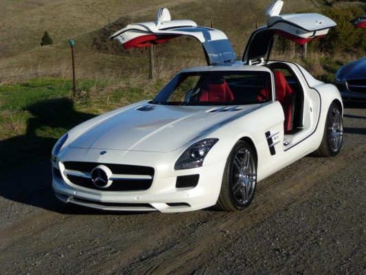 Mercedes-Benz SLS AMG erhält Design-Award