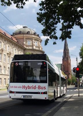 Sparsame Mobilität: Hybridantrieb für Linienbusse