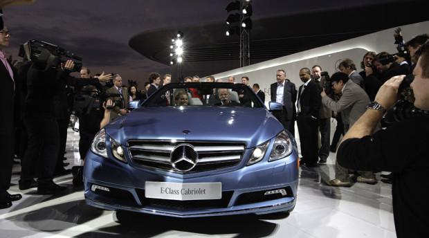 Vor-Weltpremiere für neues Mercedes E-Klasse-Cabrio in Abu Dhabi