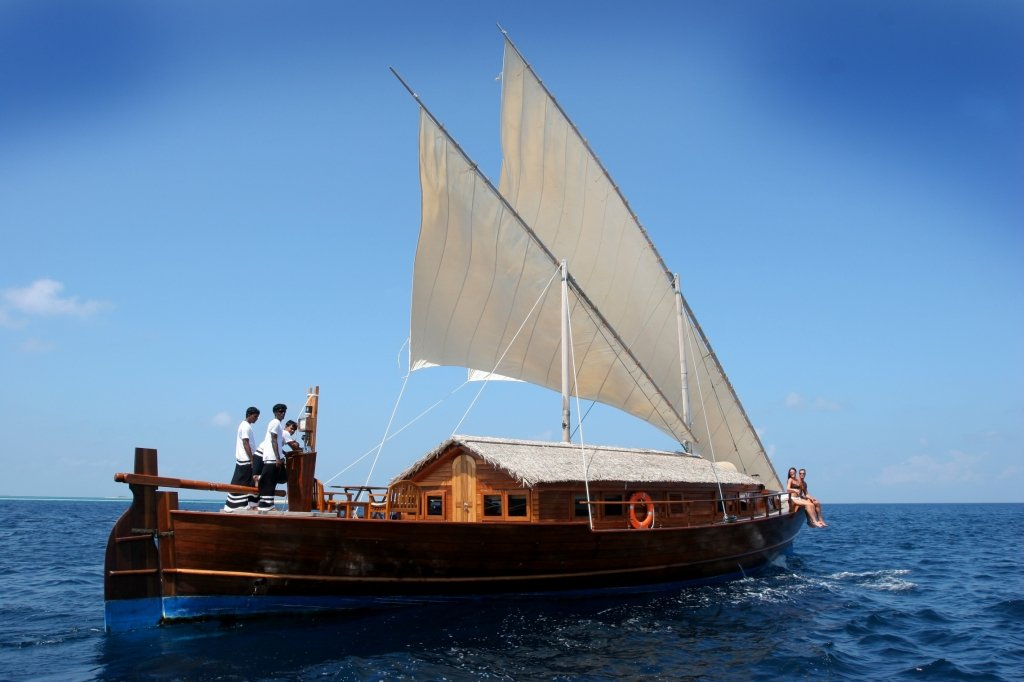 ADAC bietet Wassersport-Versicherungen für Segel- und Motorboote