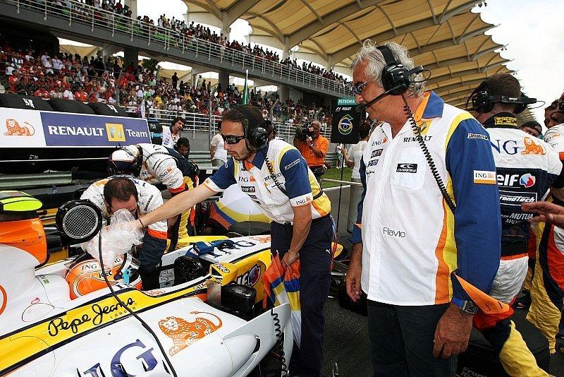 Briatore: Rechtliche Schritte gegen Piquets: Vergeltung von Mosley