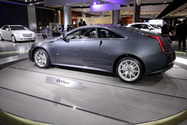 Detroit 2010: Cadillac präsentiert CTS-V Coupé ohne Türgriffe