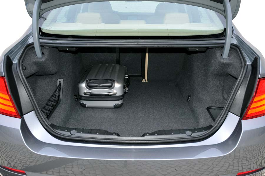 In den Kofferraum passen so schon stattliche 520 Liter Gepäck hinein. | Foto: Max Kirchbauer