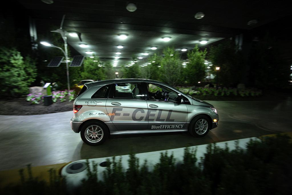 Lokal schadstofffrei: Brennstoffzellen-B-Klasse-F-Cell von Mercedes.