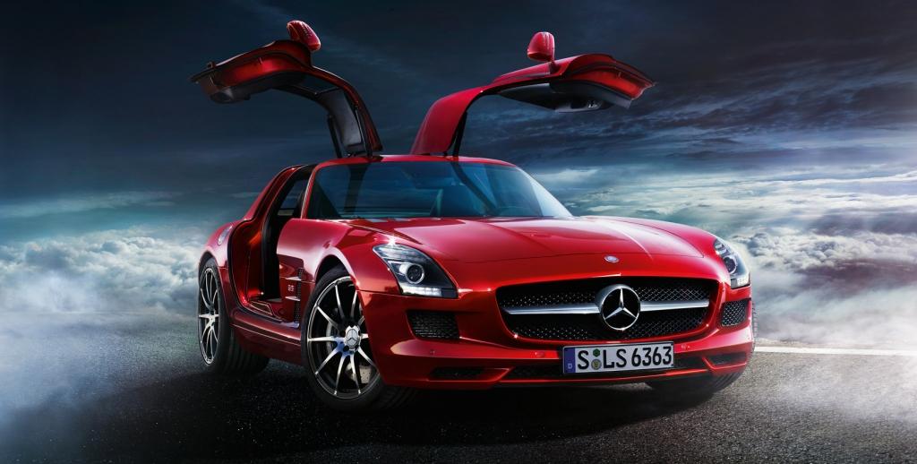 Mercedes-Benz SLS AMG: Cockpit, Triebwerk, Flügel - ist das noch ein Auto?