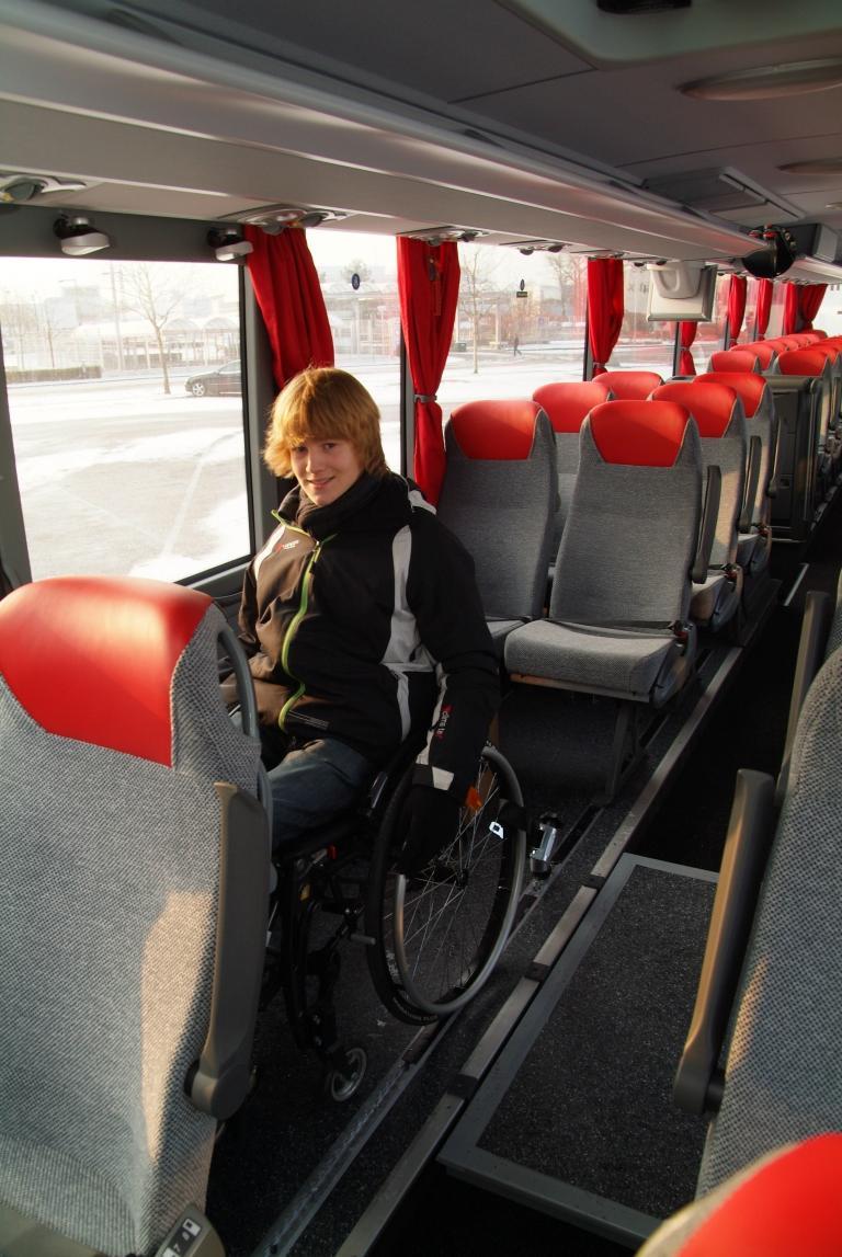 Mercedes-Benz Tourismo ab Werk behindertengerecht ausgestattet - Bild(4)