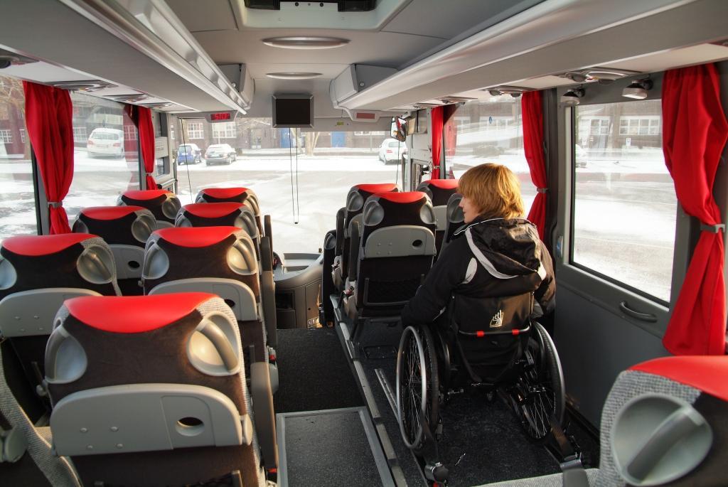 Mercedes-Benz Tourismo ab Werk behindertengerecht ausgestattet - Bild(6)