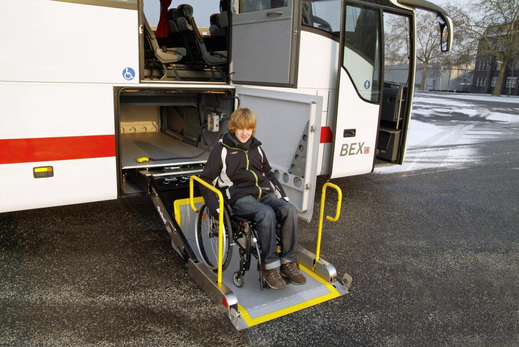 Mercedes-Benz Tourismo ab Werk behindertengerecht ausgestattet - Bild
