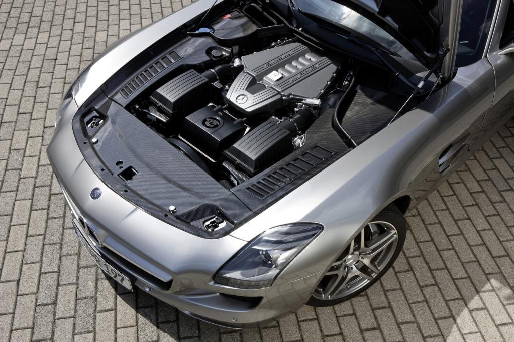 Mercedes SLS AMG: Fertigung in Handarbeit startet - Bild(11) - Bild(11)