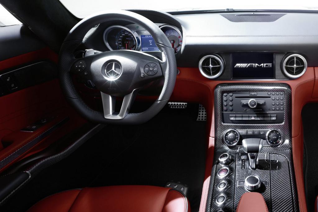 Mercedes SLS AMG: Fertigung in Handarbeit startet - Bild(12) - Bild(12)