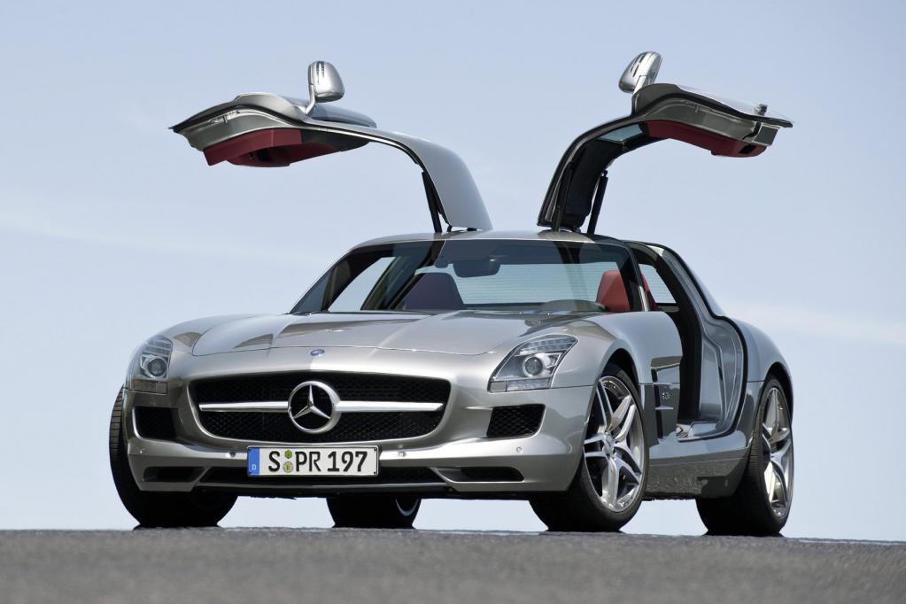 Mercedes SLS AMG: Fertigung in Handarbeit startet - Bild(9) - Bild(9)