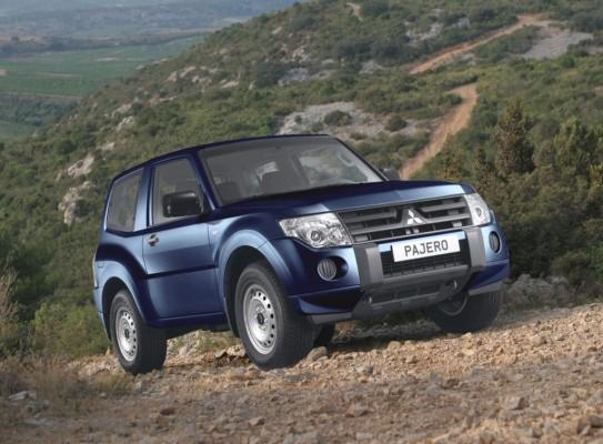 "Mitsubishi Pajero in neuer Basisversion ""Inform"""