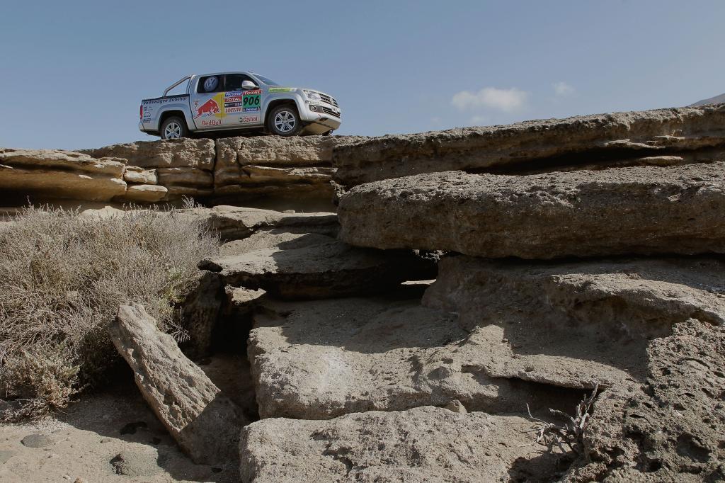 Rudolf Schenker mit dem Volkswagen Amarok bei der Rallye Dakar 2010.