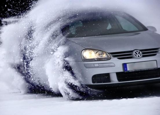 Tipp: Richtiger Umgang mit Eis und Schnee