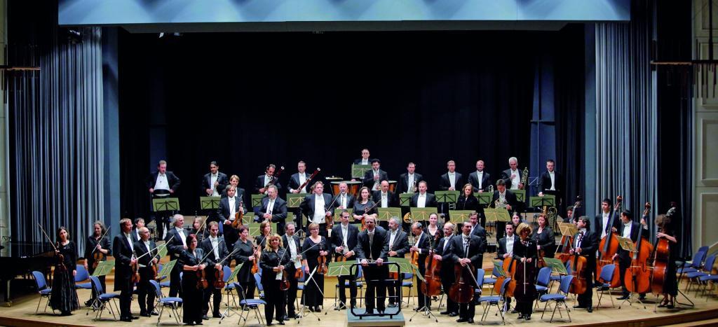 Volkswagen-Orchester begleitet Peter Maffay