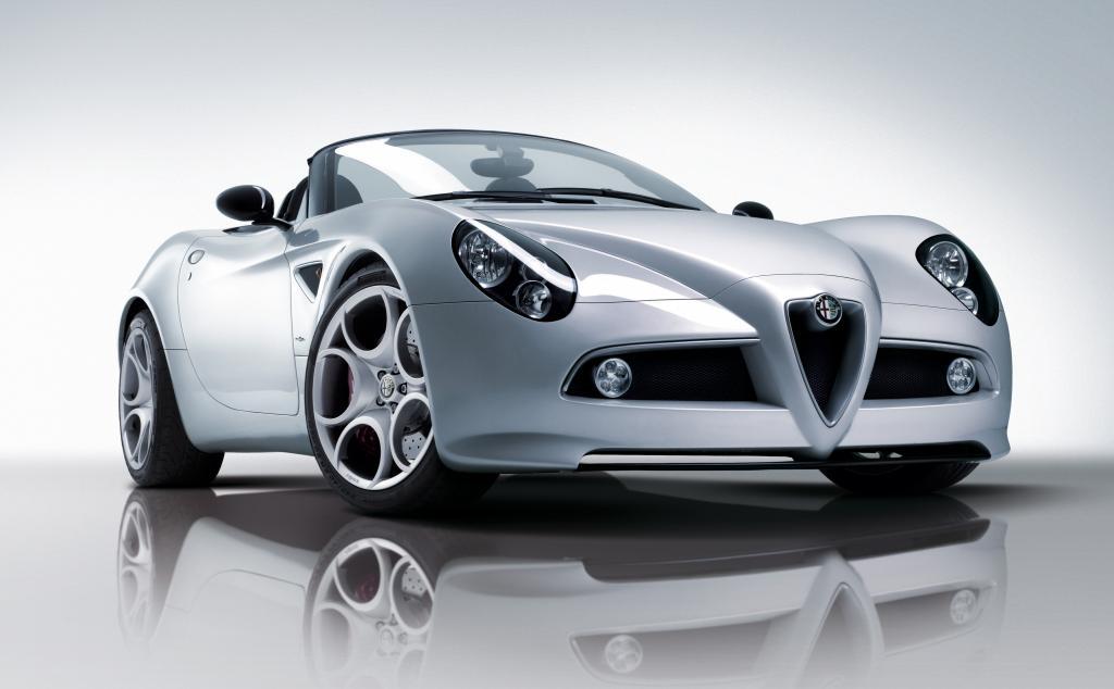 Alfa Romeo 8C Spider.