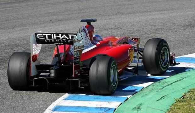 Alonso: Auf Ferrari achten: Muskelspiele