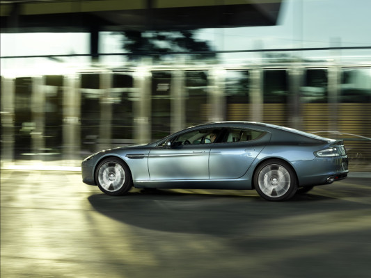 Aston Martin Rapide: James Bonds Familienkutsche