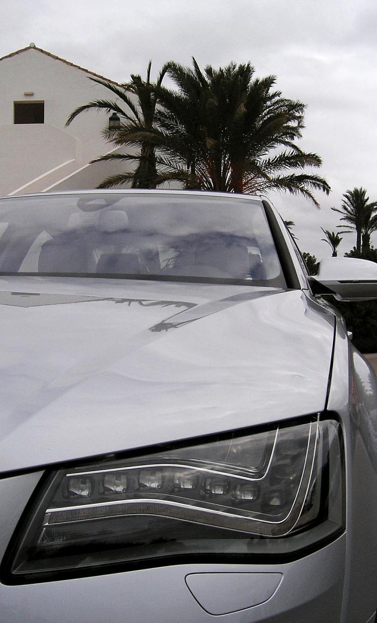 Audis neuer A8: Blick auf vordere Leuchteinheit.
