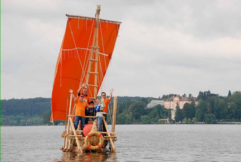 Beach & Boat 2010: Schilfboot geht in Leipzig vor Anker