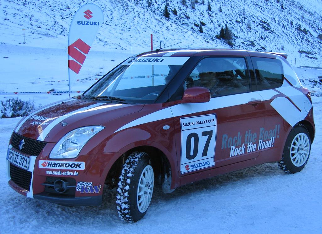 Beim Rallye-Cup von Suzuki gehen diese sportlich gestylten Swifts an den Start.