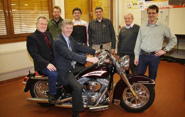Berufsschule bildet künftig an einer Harley-Davidson aus