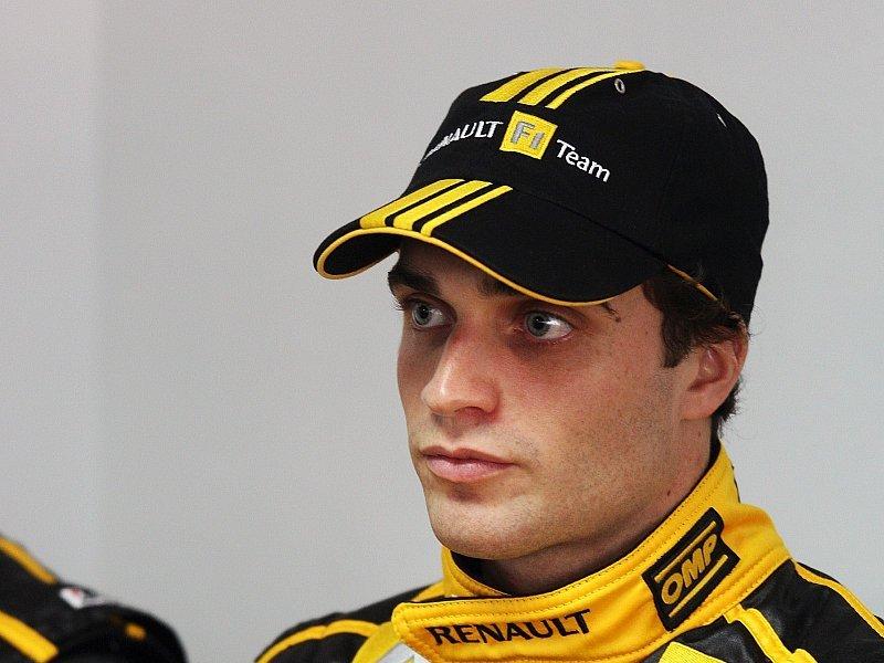 Boullier: Petrov ein Risiko: Speed ist vorhanden - Bild