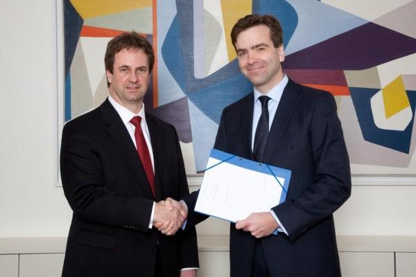 Daimler erweitert Kooperation mit Allianz