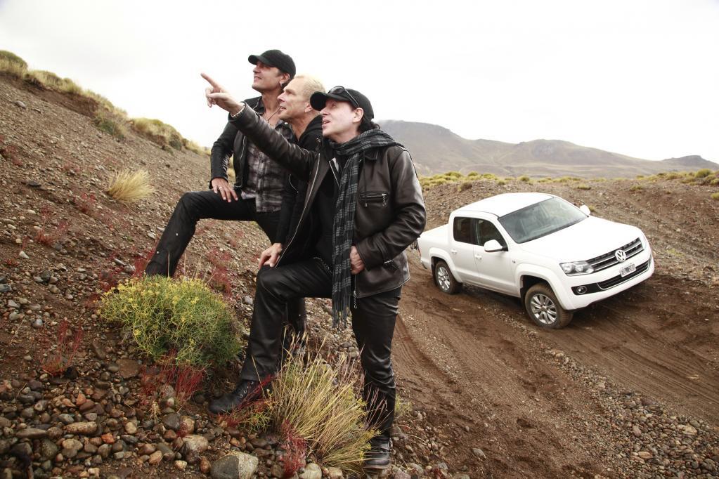 """Die """"Scorpions"""" testeten in Argentinien den Volkswagen Amarok."""