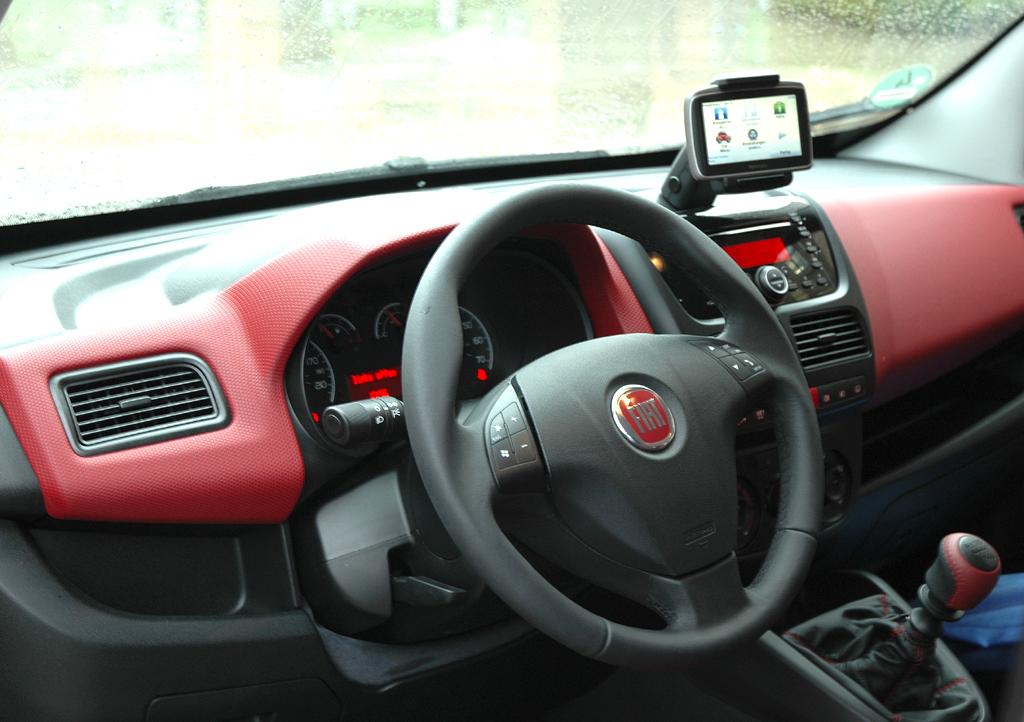 Fiat Doblò: Blick ins Cockpit.