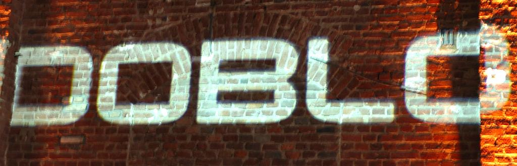 Fiat Doblò: Doblò-Schriftzug bei Präsentation in der Vulkanhalle in Köln.