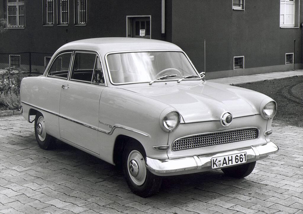 Ford Taunus 15M aus dem Jahr 1955.