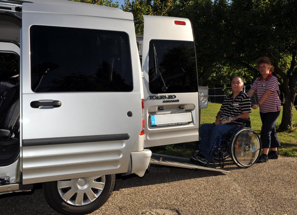 Ford steigert Absatz von Autos für Menschen mit Mobilitätseinschränkungen